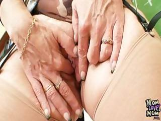 mother i teacher likes to masturbate after school