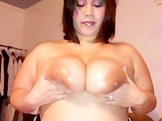 preggo oriental wife showing her thick hawt curvy