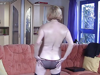 german granny masturbating on the bed