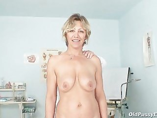 vanda has her horny aged bawdy cleft opened by