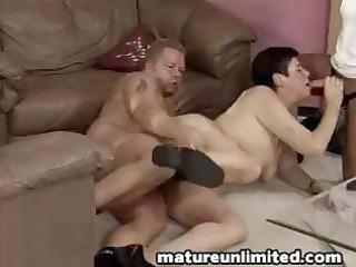 mamas threesome