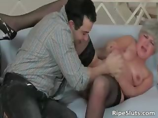 older doxy sucks on hard wang and receives