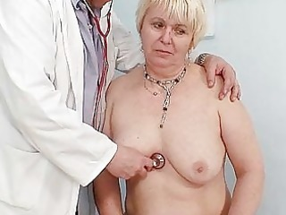 chubby blonde mamma bushy pussy doctor exam