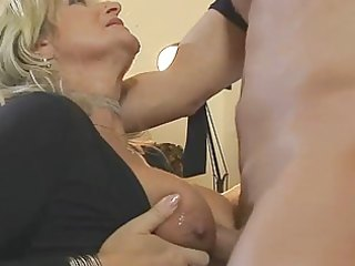 blonde d like to fuck in fishnet nylons bonks