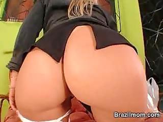 brazilian milf toy her slit