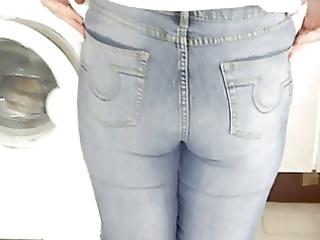 wifes hawt jeans butt