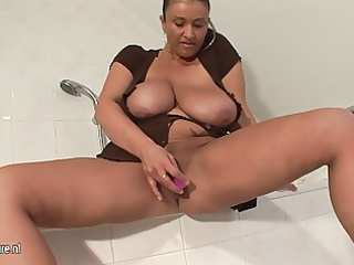 large breasted dilettante mother i getting juicy