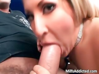 marvelous golden-haired d like to fuck use her