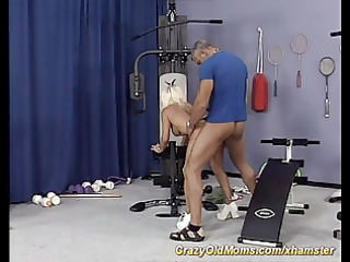 muscle mommy fucking