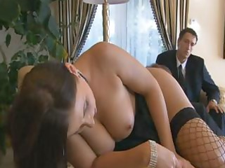 dark brown mother i beauty, maria belluci, has a