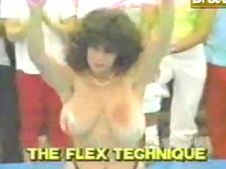 funny-retro mommy titty bouncing