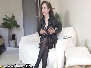 brunette hair aged mamma with hawt black part10