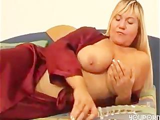 big beautiful woman d like to fuck copulates her