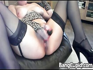 squirting d like to fuck toys her fur pie