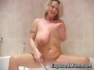 heavy jiggy boobs mum taking a shower
