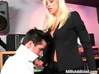 blond d like to fuck getting hardly drilled in her