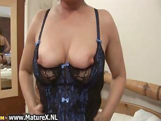 older mom in hawt darksome nylons part9