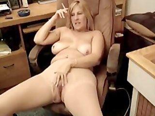 bulky mother i smokin