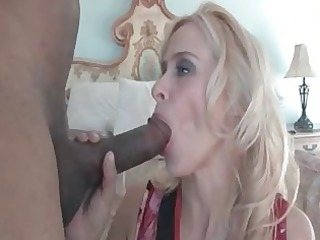 freaky mommy peyton leigh plays with massive dark