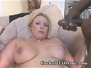 White Wifey In Cuckold Threesome