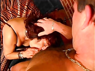 d like to fuck in heat wants a large hard pounder