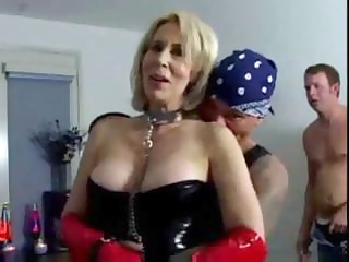 erica lauren is a short-haired blond d like to