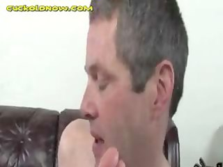 cuck play with wife whilst she is sucks