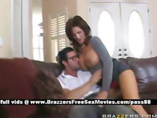 breasty mamma does blowjob