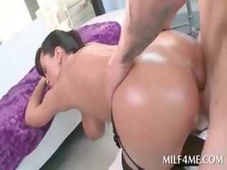 giant butt oily d like to fuck riding beefy