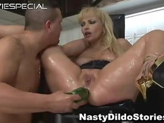aged d like to fuck receives dark hole drilled