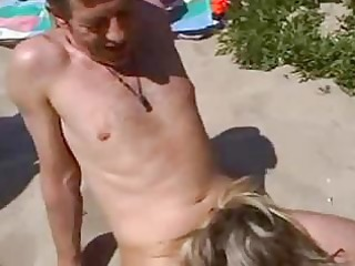 banging non-professional wife on the beach
